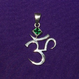 Green Jewelled Ohmn Pendant